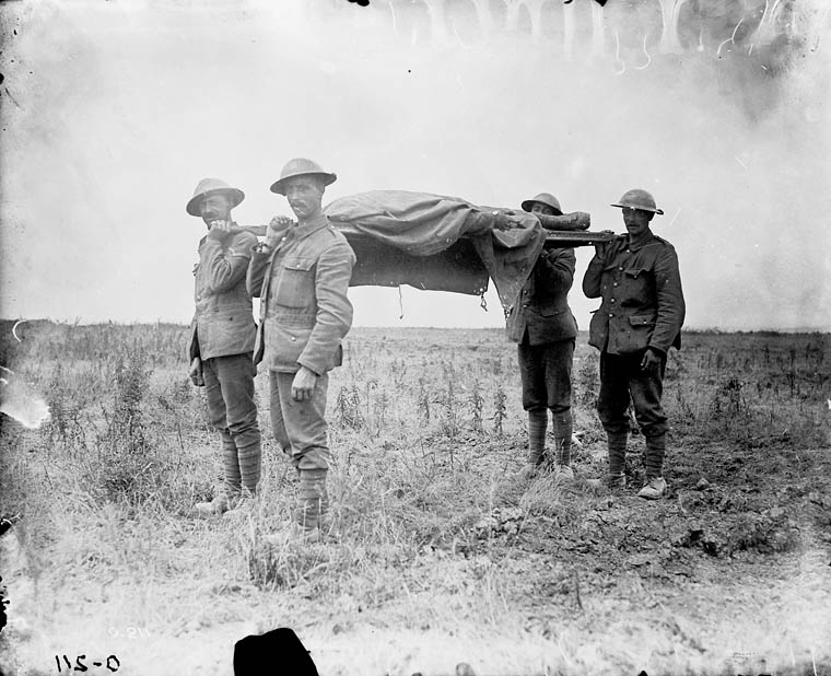 (W.W.I - 1914-1918) Bringing in the dead. July, 1916. (item 1)