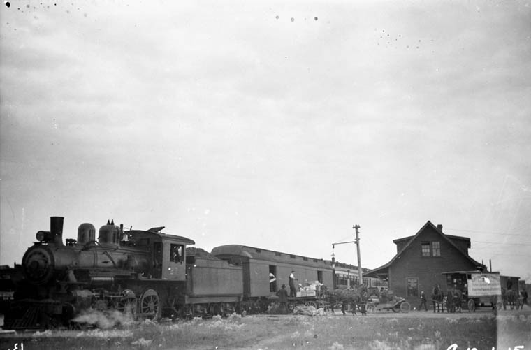 Edmonton, Dunvegan yards and B.C. Railway , Alta, c. 1920's  (item 1)