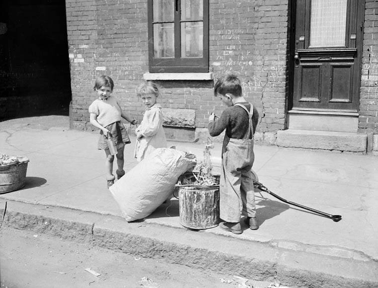 Kids cleaning up trash