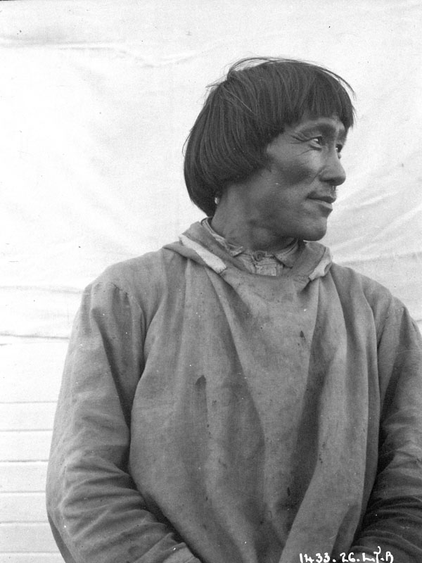 Unidentified man, Chesterfield Inlet (Igluligaarjuk), Nunavut, by Lachlan T. Burwash, Department of Indian and Northern Affairs.