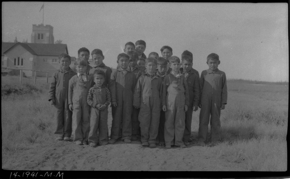 Aklavik Anglican Indian Residential School (All Saints Indian Residential School), group of children who lived too far away and had to stay at school during the summer, 1941