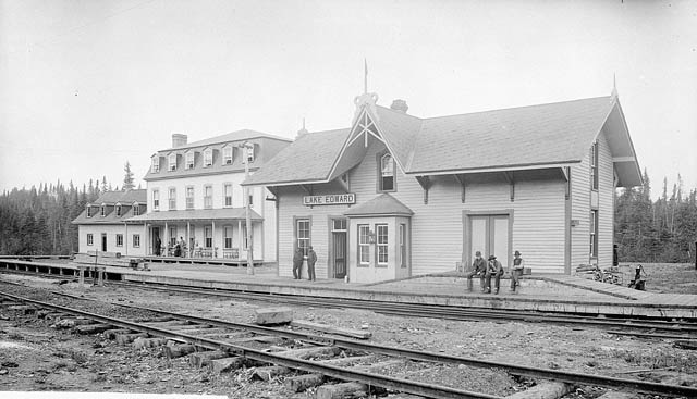 Quebec & Lake St. John Railway, (Lake Edward station) 1906