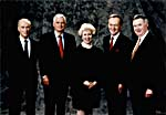 Photo de Pierre Trudeau, John Turner, Kim Campbell, Jean Chrétien et Joe Clark, 24 octobre 1994