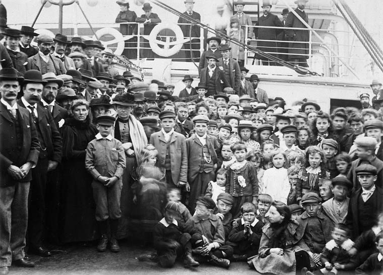 "Welsh-Patagonians leaving England for Canada on S.S. ""Numidian"" of the Allan Line. (item 1)"