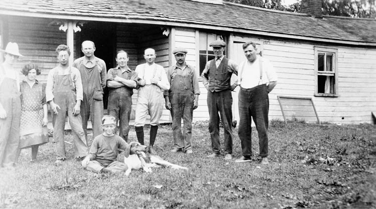 Group at Canadian Jewish Farm School, Georgetown, Ontario. 1929. (item 1)