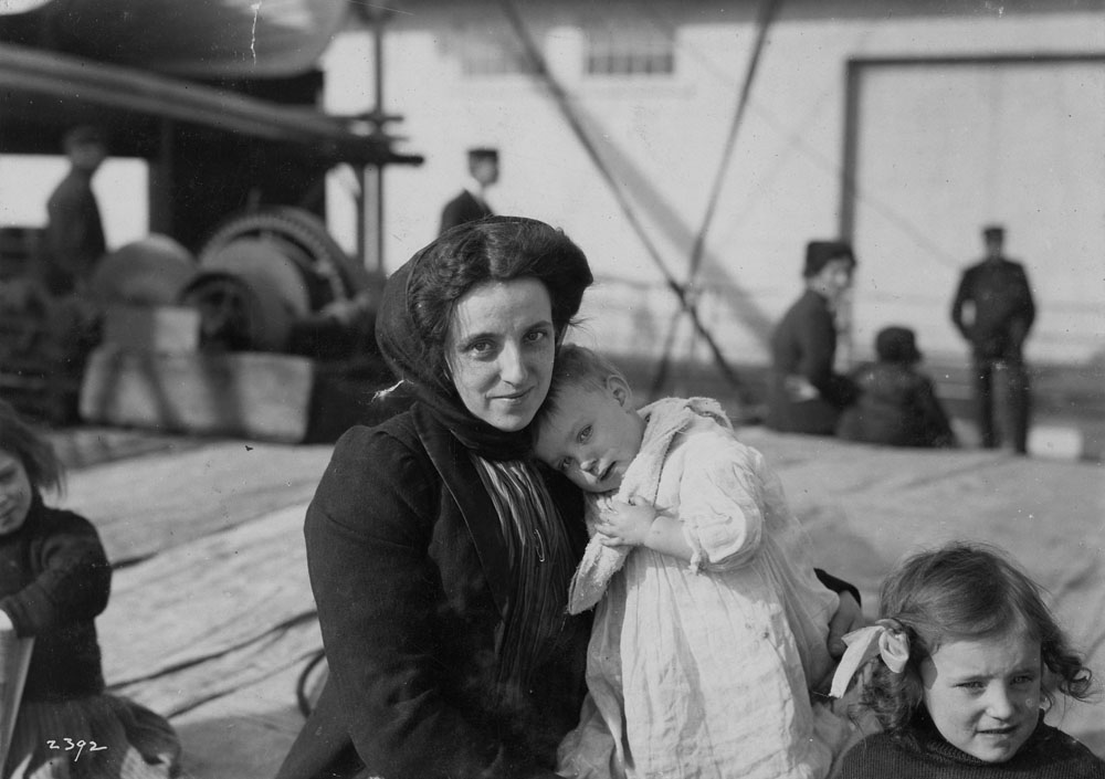 Scottish immigrant mother and children upon arrival. (item 2)