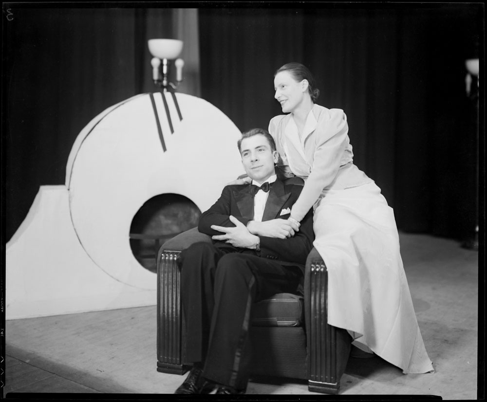 "Festival national d'art dramatique 1937 (""Françoise"", Le Caveau, Ottawa) (item 2)"