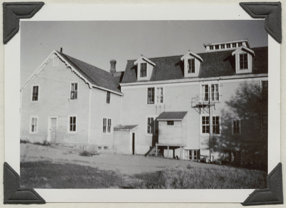 Round Lake Indian Residential School, side view and area where the laundry is housed, Broadview, September 2, 1948