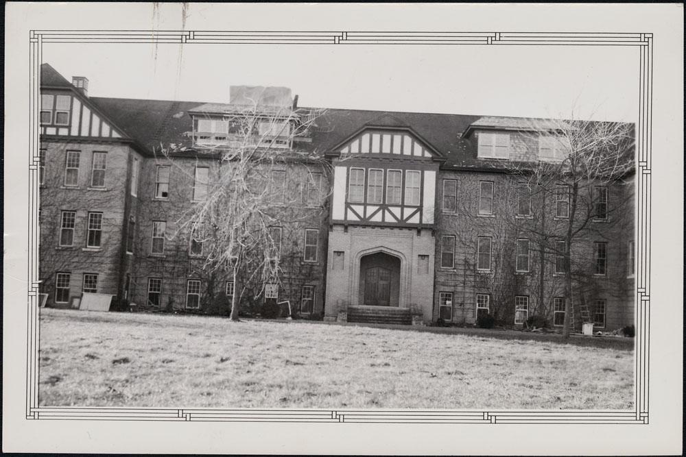 Hôpital indien (sanatorium) de Coqualeetza, vue de la façade, Sardis, 11 janvier 1941